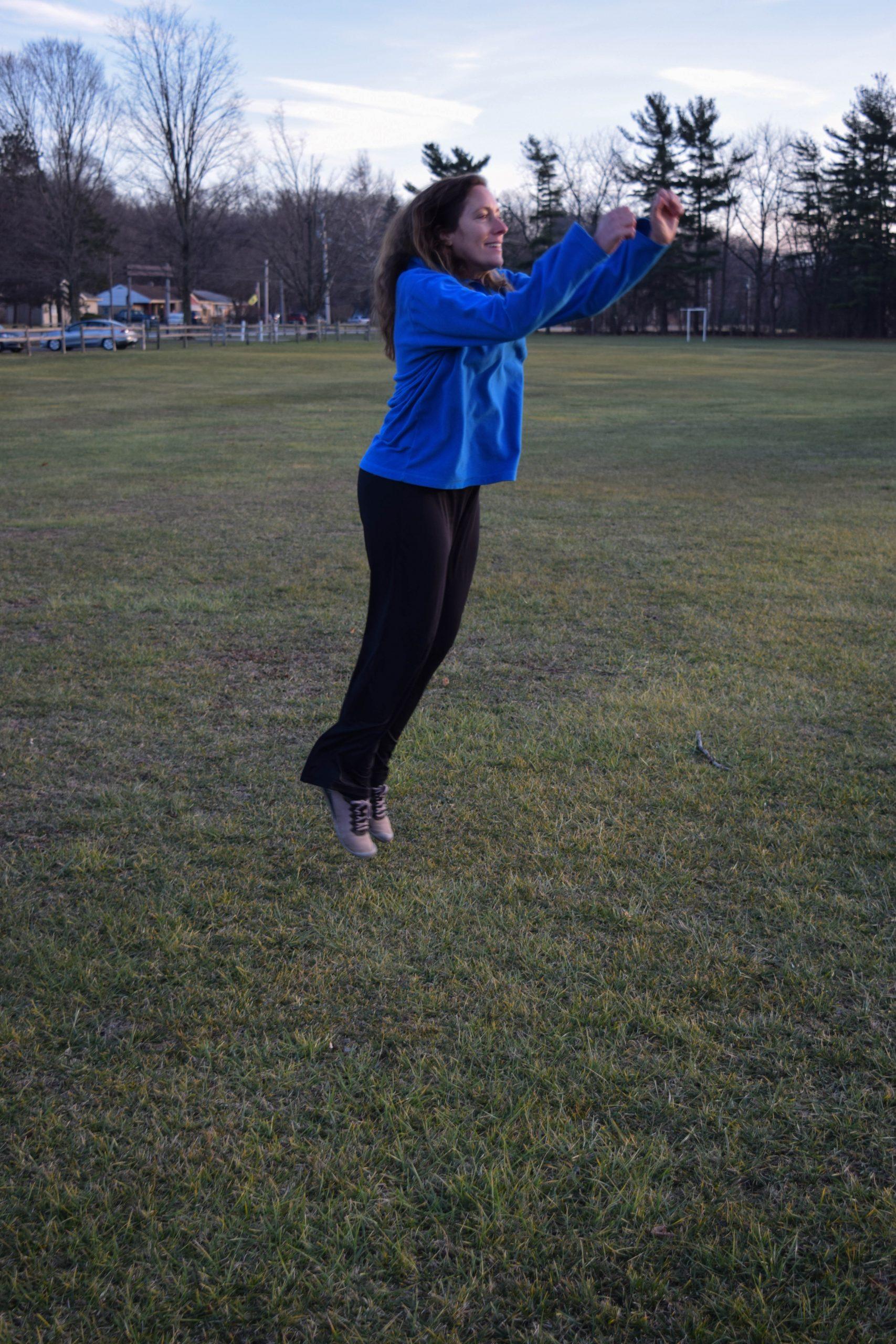 Linda jumping